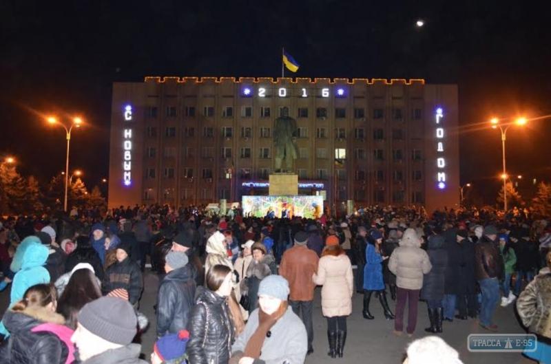 68945-semj-tysyach-izmailjchan-vstretili-novyj-god-na-glavnoj-plocshadi-goroda-big