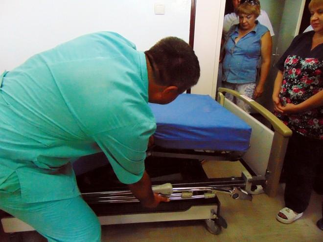 Благотворительный фонд Урбанского подарил Ренийскому району 35 многофункциональных кроватей