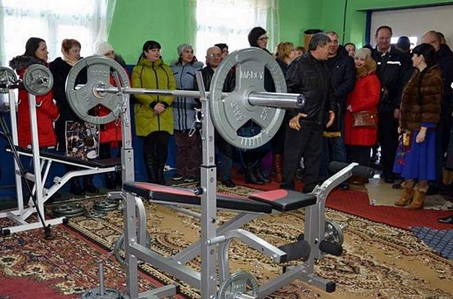 В Старой Некрасовке открылся спортклуб